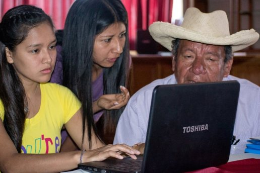 de esta forma se enseñará de manera personlaizada a los comunicadores aldeanos que asuman el reto de la comunicacion